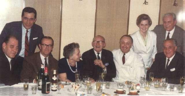 von links: Schweiger, Hinnich, Gold - mitte: Harry Götz und Ferry Proy